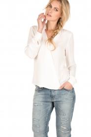 Dante 6 | Overslag blouse Mendo | wit  | Afbeelding 2