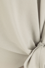 Dante 6 | Blouse met knoopdetail Gail | grijs  | Afbeelding 6