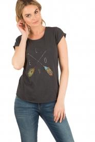 Leon & Harper | T-shirt Tova | zwart  | Afbeelding 2