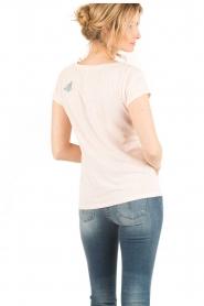 Leon & Harper | T-shirt Butterfly | lichtroze  | Afbeelding 4