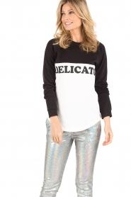 Zoe Karssen | Sweater Delicato | zwart/wit  | Afbeelding 5