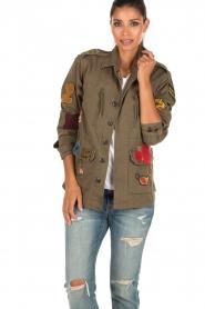 Leon & Harper | Jas met patches Vibe | khaki groen  | Afbeelding 2