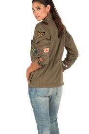 Leon & Harper | Jas met patches Vibe | khaki groen  | Afbeelding 5
