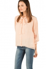 Hoss Intropia | Pussybow blouse Kim | roze  | Afbeelding 4