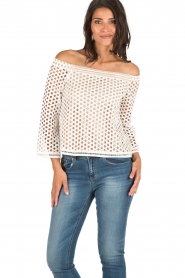 NIKKIE | Off-shoulder blouse Rona Bardot | wit  | Afbeelding 2