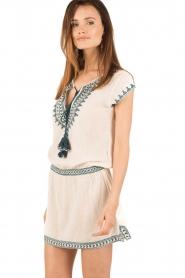 Star Mela | Geborduurde jurk Smiti | naturel  | Afbeelding 4