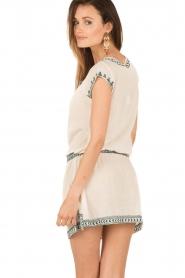 Star Mela | Geborduurde jurk Smiti | naturel  | Afbeelding 5