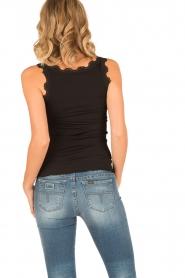 Rosemunde | Zijden V-hals top Babette | zwart  | Afbeelding 4
