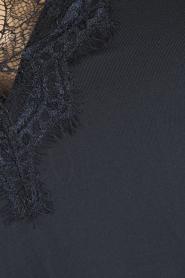 Rosemunde | Top met kant Yara | blauw  | Afbeelding 5
