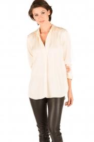 By Malene Birger | Zijden blouse Ayoh | naturel  | Afbeelding 2