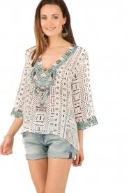 Camilla | Zijden blouse Maasai Mosh | wit  | Afbeelding 2