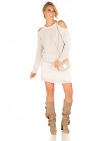 IRO | Open shoulder trui Lineisy | grijs  | Afbeelding 3