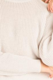 IRO | Open shoulder trui Lineisy | grijs  | Afbeelding 6
