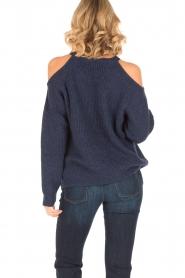 IRO | Trui met cut-out schouders Lineisy | blauw  | Afbeelding 5
