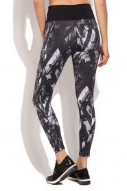 Casall |  Sports leggings Distorted Flower | grey  | Picture 5