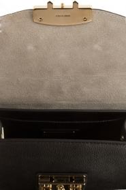 Furla | Leren schoudertas met verwisselbare klep Metropolis Mini | zwart  | Afbeelding 5