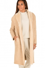 Ruby Tuesday | Tweezijdige lammy coat Winona | camel  | Afbeelding 4