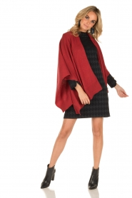 Knit-ted | Wrap poncho Tara | rood  | Afbeelding 3