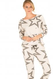 Juvia | Sweatshirt Yentl Stars | wit  | Afbeelding 2