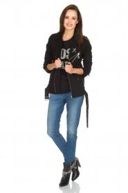 NIKKIE | T-shirt Boss Lady | zwart  | Afbeelding 3