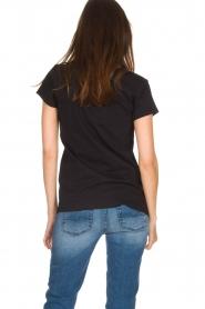 NIKKIE | T-shirt Boss Lady | zwart  | Afbeelding 5