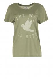 Zoe Karssen | T-shirt The War Is Over | groen  | Afbeelding 1