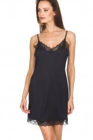 Hanro |  Slip dress with lace Luna | black  | Picture 2