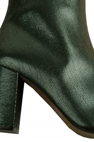 L'Autre Chose |  Metallic leather ankle boot Dakota | green  | Picture 6