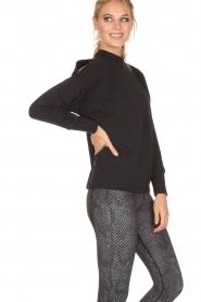 Varley | Sweater Keystone | zwart  | Afbeelding 4
