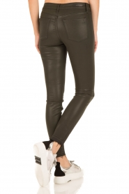 Articles of Society | Cropped skinny jeans met coating Sarah | groen  | Afbeelding 5