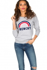 French Disorder   Luxe sweater Frenchy   Lichtgrijs    Afbeelding 2