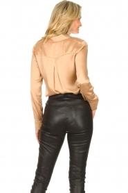 Dante 6 |  Silk stretch blouse Zayn | fudge  | Picture 6