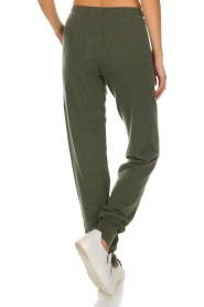 Not Shy |  Cashmere sweatpants Pauline | green  | Picture 5