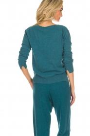 Not Shy | Kasjmieren trui Gabriella | blauw  | Afbeelding 4