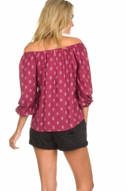 BEACHGOLD | Off-shoulder top Maisey | rood  | Afbeelding 4