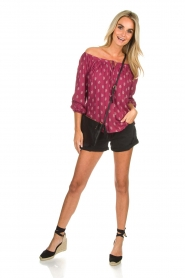 BEACHGOLD | Off-shoulder top Maisey | rood  | Afbeelding 3