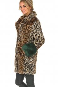 Kocca | Faux-fur jas met luipaardprint Gillet | dierenprint  | Afbeelding 5