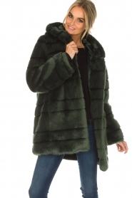 Kocca | Faux-fur jas Kimberly | groen  | Afbeelding 4