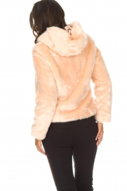 Kocca |  Faux-fur coat with hoodie | nude  | Picture 5