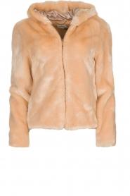 Kocca | Faux-fur jas met capuchon | nude  | Afbeelding 1