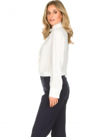 Atos Lombardini | Blouse Emma | wit  | Afbeelding 5