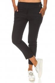 ba&sh | Pantalon met krijtstreep Bango | zwart  | Afbeelding 3