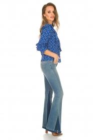 Lolly's Laundry | Blouse met volant Jessy | blauw  | Afbeelding 3