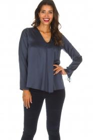 Blaumax |  Silk top Lorena | navy  | Picture 2