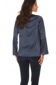 Blaumax |  Silk top Lorena | navy  | Picture 6
