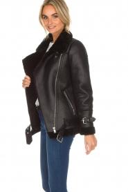 OAKWOOD |  Faux lammy coat Mandy | black  | Picture 4
