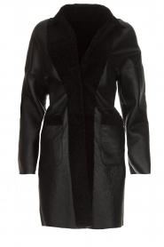 Arma | Omkeerbare lammy coat Dewi | zwart  | Afbeelding 1