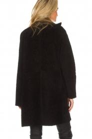 Arma | Omkeerbare lammy coat Dewi | zwart  | Afbeelding 6