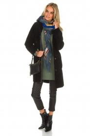 Arma | Omkeerbare lammy coat Dewi | zwart  | Afbeelding 4