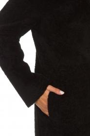 Arma | Omkeerbare lammy coat Dewi | zwart  | Afbeelding 7